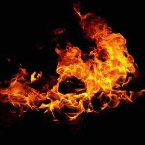Il fuoco di Dio scende solo sull'altare